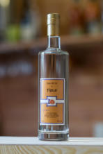 Eau de vie figue, provenance du sud de la France, 4 ans d'âge minimum. Bel arôme subtile de figue mûre.
